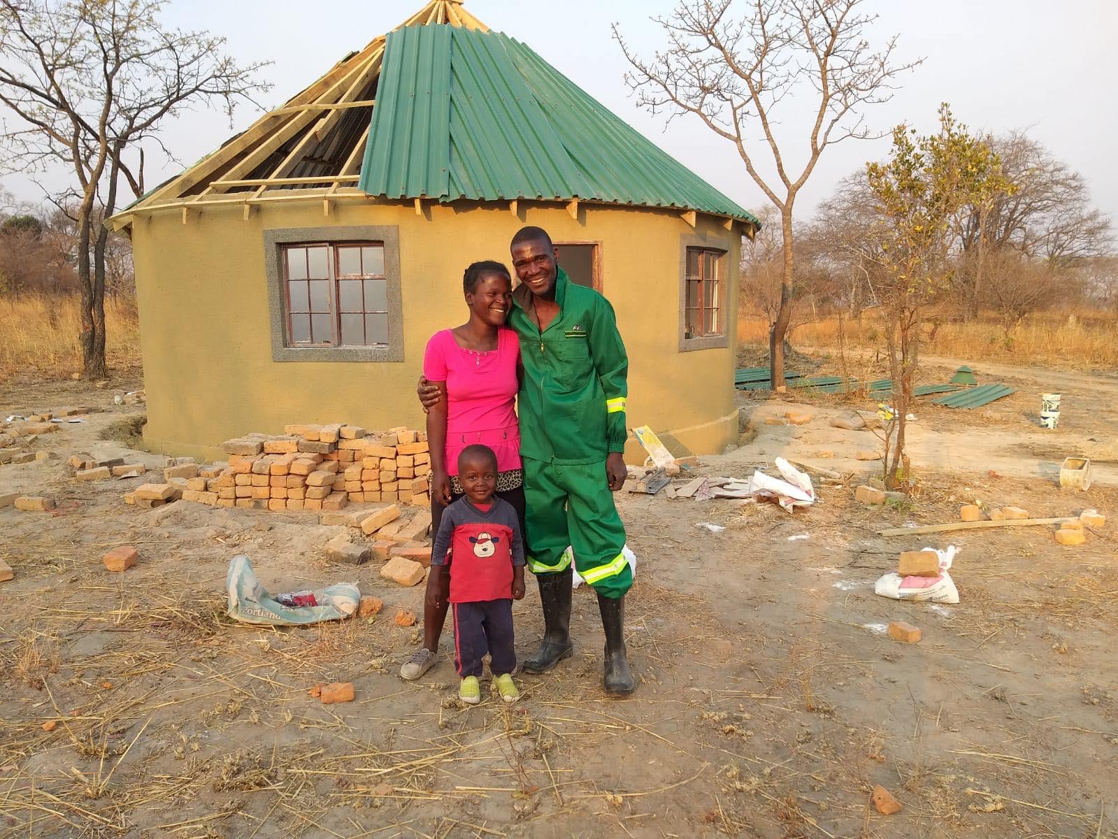 Wie in drei Wochen aus einem auf Brach liegendem Grundstück ein Zuhause wurde
